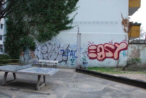Oskarplatz beschmierte Wände