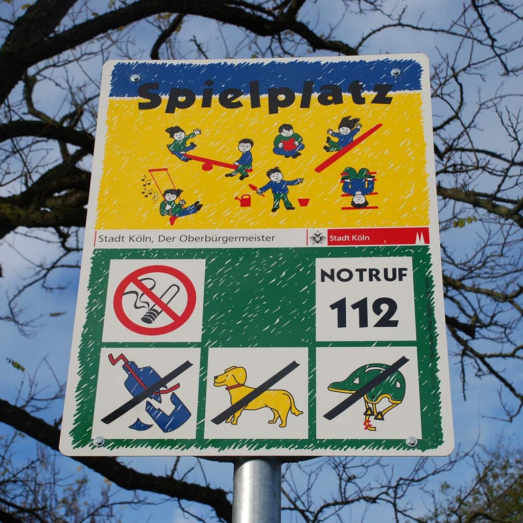 Spielplatz-Schild