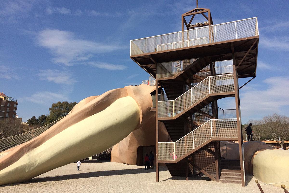 Diese Treppe mit Geländer als Sicherheitsmaßnahme. Foto: Schilling