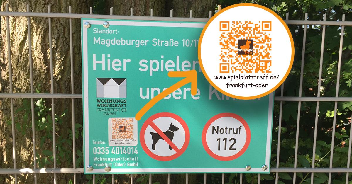 Der QR-Code Aufkleber führt direkt zu den Spielplatz-Informationen der Stadt. Foto: WoWi FFO