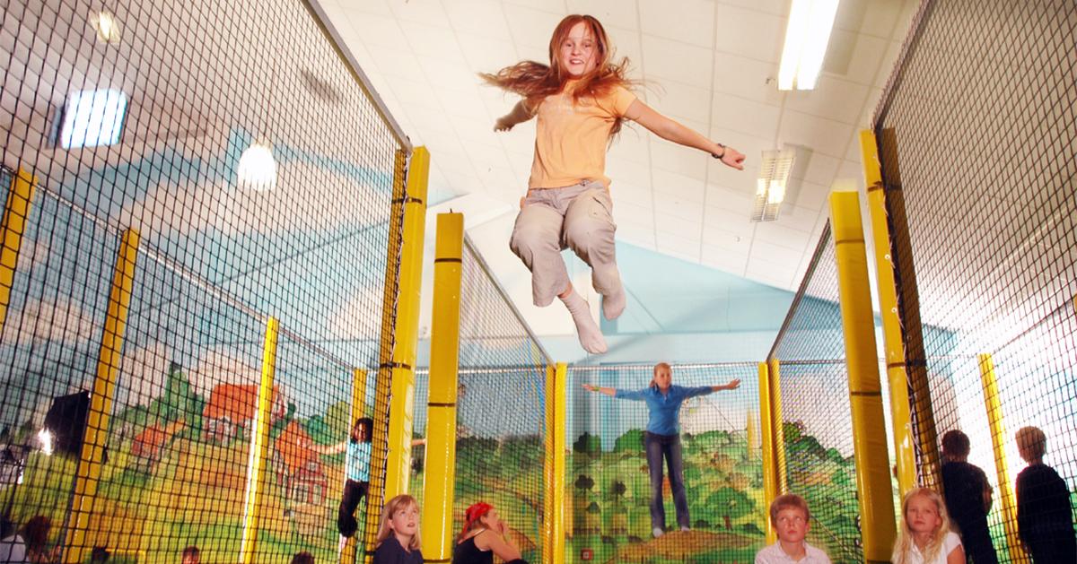 Im rabatzz, dem größten Indoorspielplatz von Hamburg, können die Kinder sicher spielen. Foto: rabatzz
