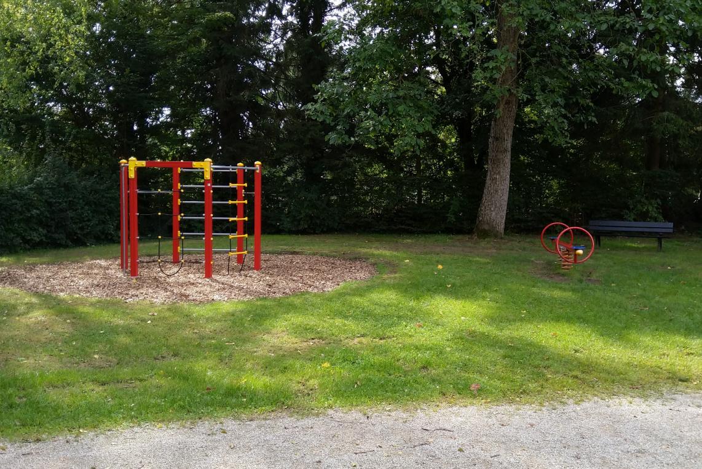 klassischer Spielplatz
