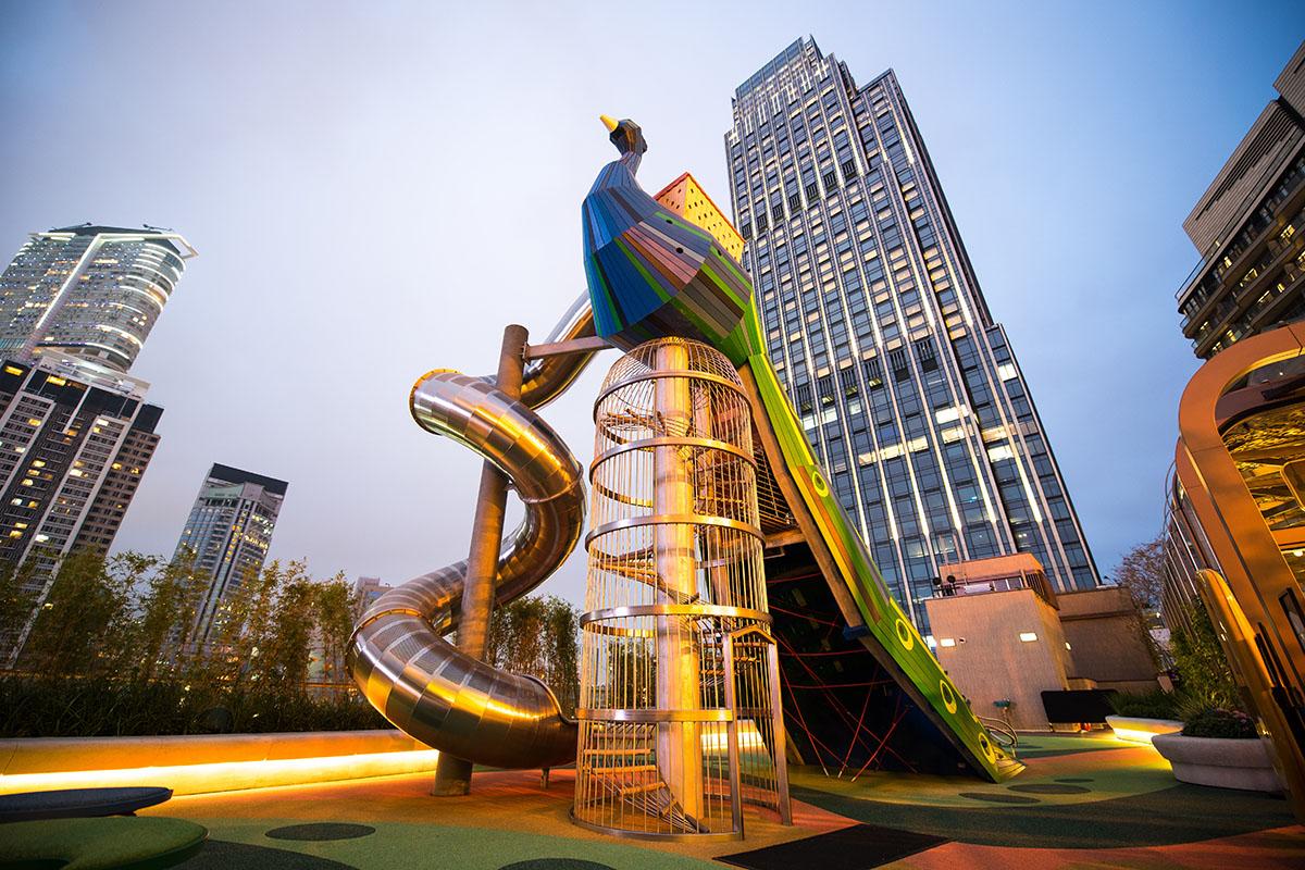 Monstrum Pfauen-Spielplatz in Hongkong