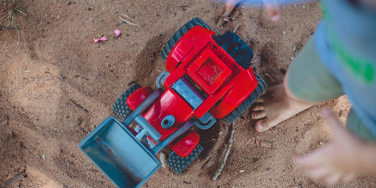 Sandbagger auf dem Spielplatz
