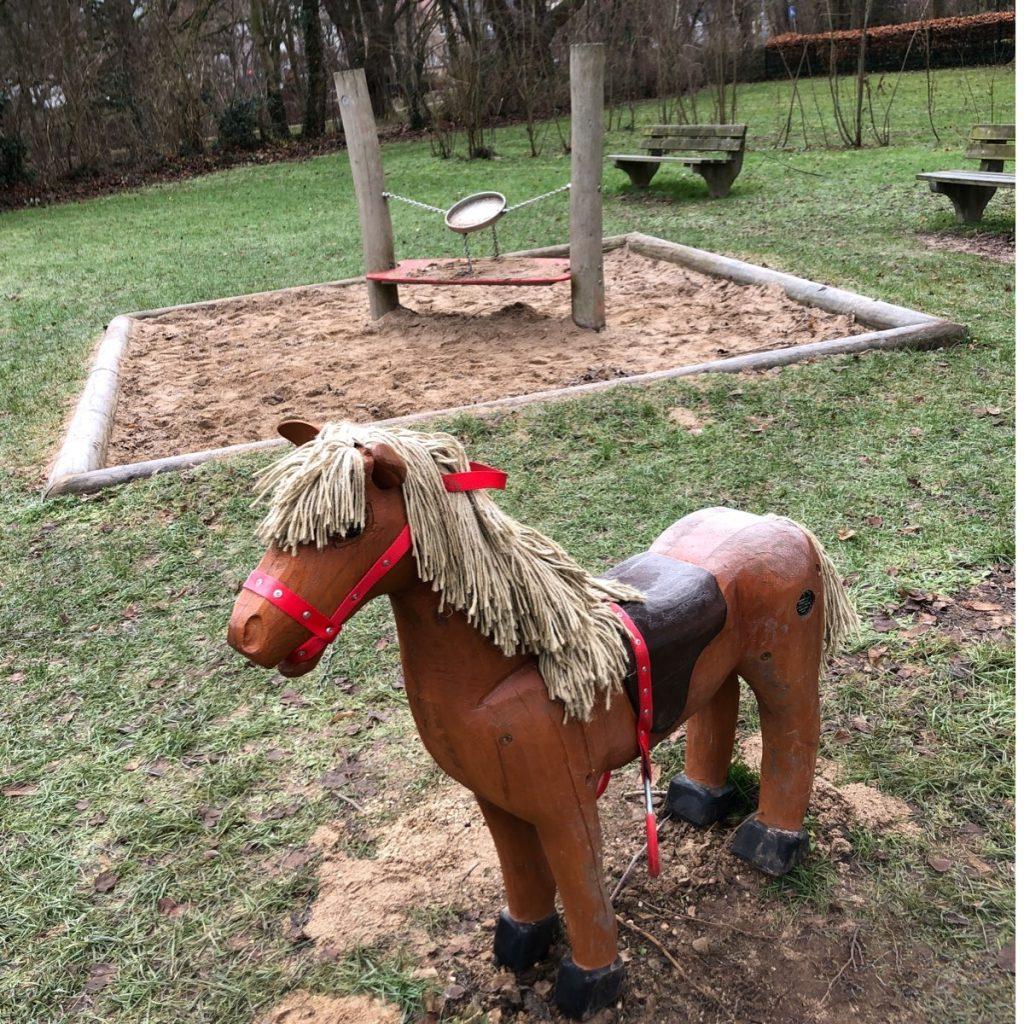 Spielplatz mit Pferd in Euskirchen