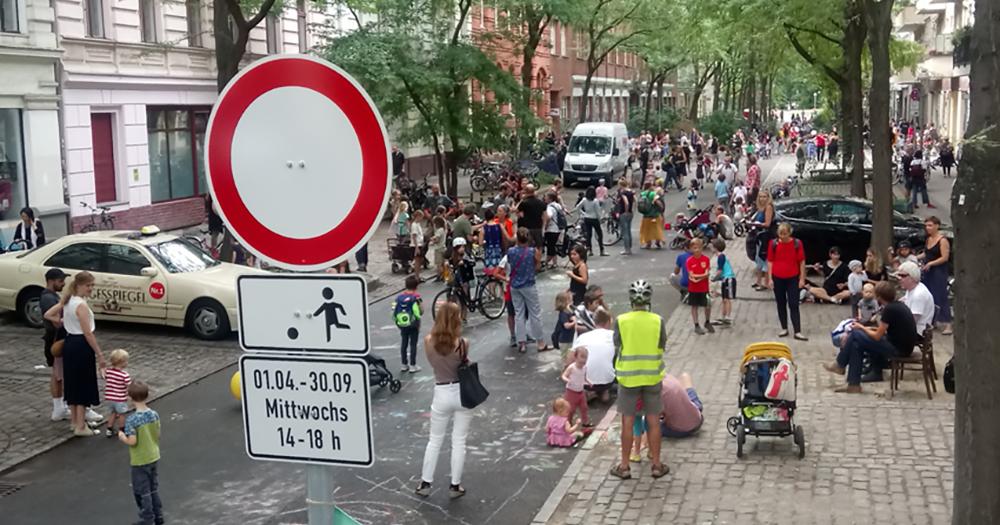 Temporäre Spielstraße in Berlin