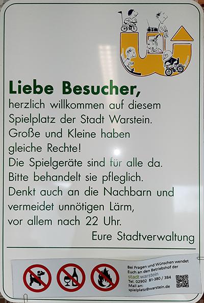 Altes Spielplatzschild Warstein