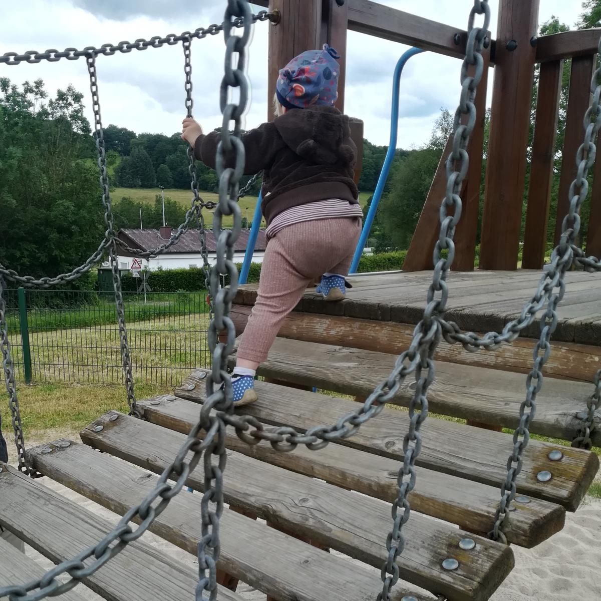 selbstständig Klettern
