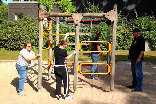 Putzaktion Spielplatz Am alten Amt
