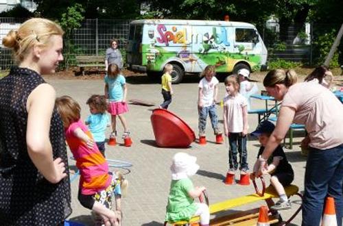 """Einsatz im Städtischen Familienzentrum """"Die Arche"""", Juni 2013, Foto: Jugendförderung Hilden -md"""