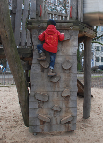 Kinder müssen klettern