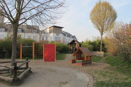 """Der Spielplatz """"Auf der Höhe"""" wurde 2012 teilweise neu bestückt."""