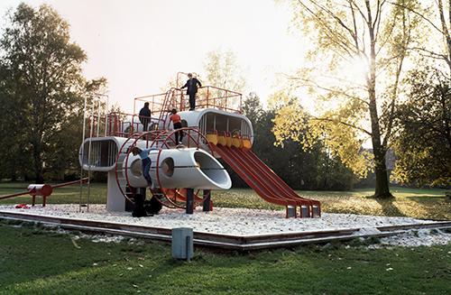 So hat die Spielskulptur ursprünglich (1981) ausgesehen. Foto: Institut für Zeitgeschichte und Stadtpräsentation, Stadt Wolfsburg