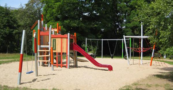 Neuer Spielplatz im Wohngebietspark Grünes Tal 2 in Schwerin, Foto: Stadt Schwerin