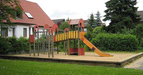 spielplatz-im-alten-hof-kletterkombi_alt