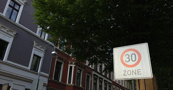 Das Deutsche Kinderhilfswerk fordert Tempo 30 in der Stadt. Foto: Schilling